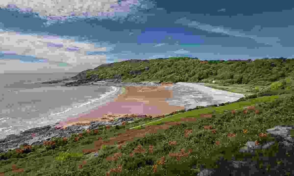 Pwll Du Bay, Wales (Dreamstime)