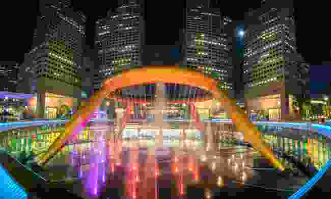 The Fountain of Wealth is one of many artisitic examples of the city's architecture (Shutterstock)