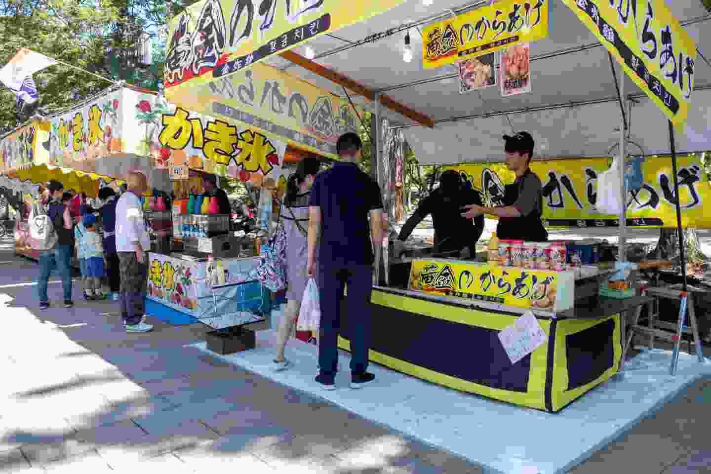 A popular street food vendor in Nara, Japan (Shutterstock)