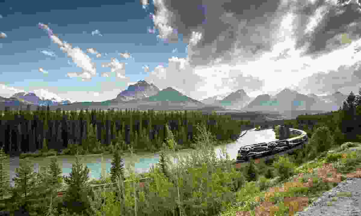 Explore Banff National Park by train (Rocky Mountaineer & Australian Pacific Touring)