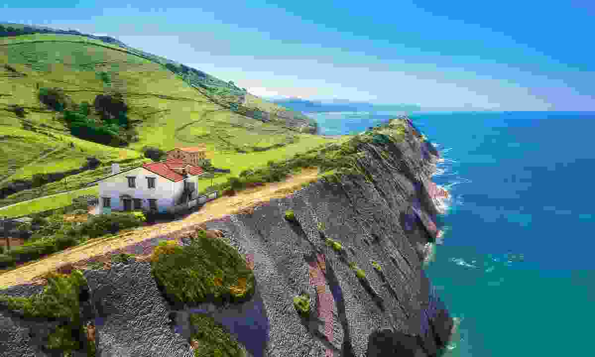 The picturesque village Zumaia (Shutterstock)