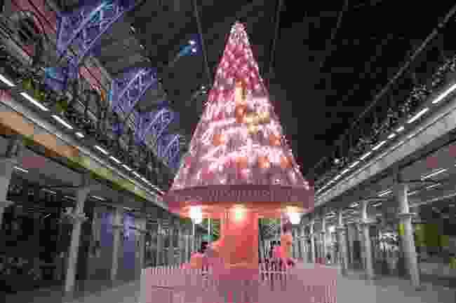 The tree at St. Pancras (Sam Lane Photography)