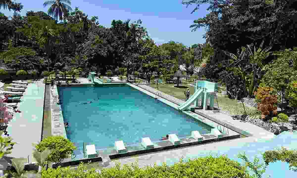 Spring-fed public swimming pool in Baucau (TimorLeste.tl)