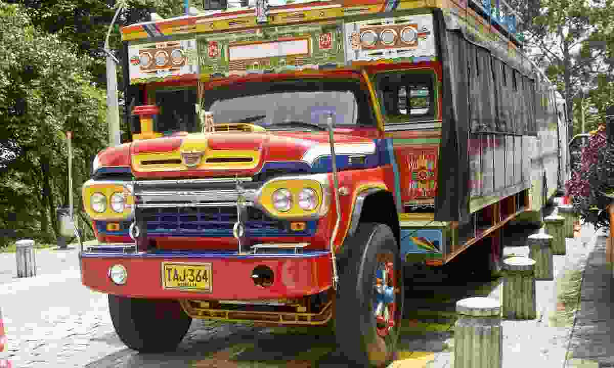 Chiva bus in Medellin (Dreamstime)