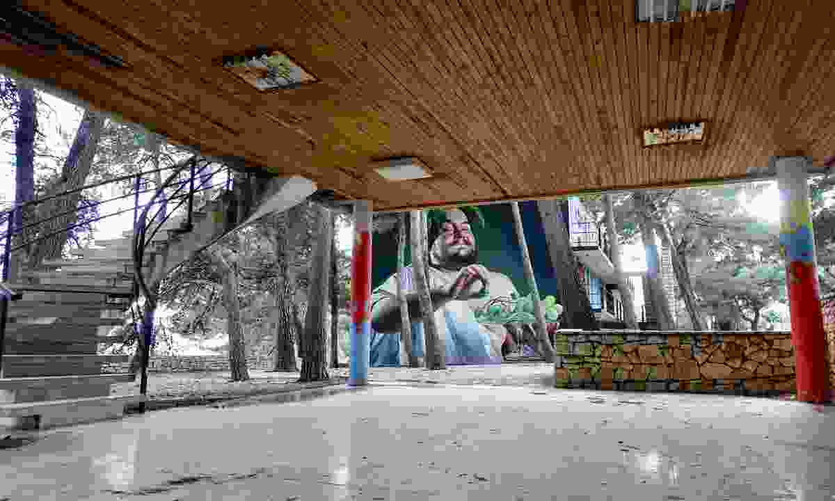Street art in abandoned hotel, Bol (Peter Moore)