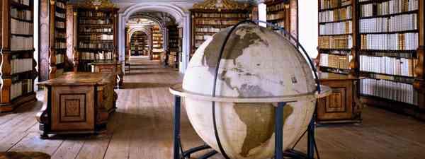 Stiftsbibliothek Kremsmünster, Kremsmünster, Austria (Massimo Listri/TASCHEN)