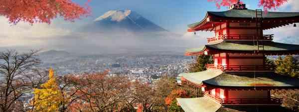 Chureito Pagoda in autumn, Japan (Dreamstime)