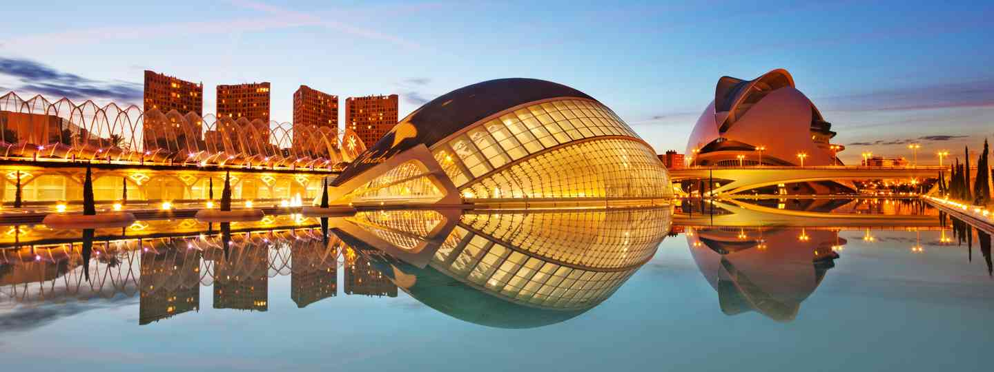Winter sunset in Valencia (Dreamstime)
