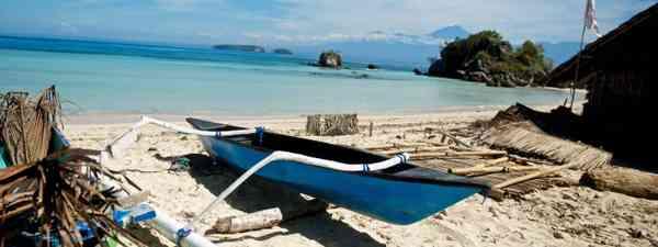 Sumbawa Kertasari village boat (Mark Stratton)