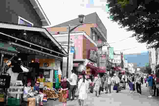 Kyu-Karuizawa Ginza is a shopping street suited for a stroll or for buying souvenirs and local desserts (Shutterstock)