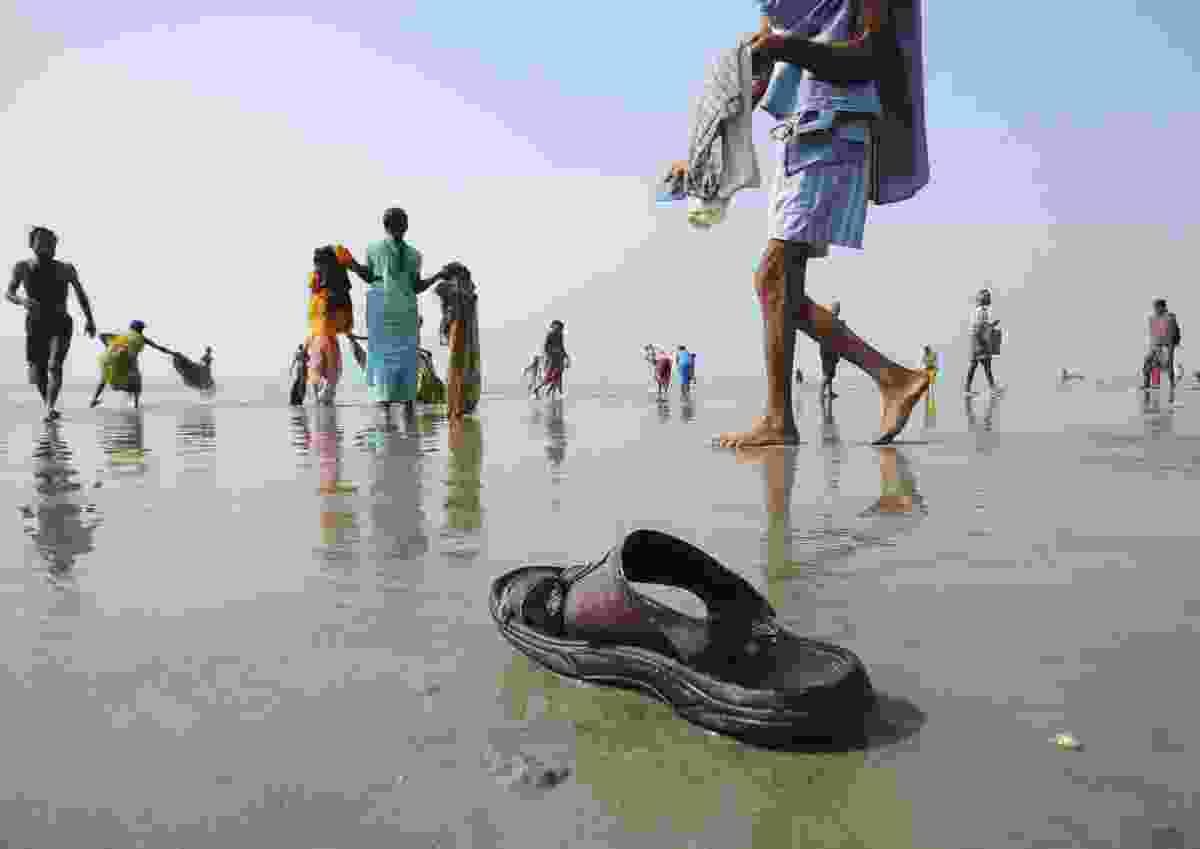 Lost in travel, West Bengal, India (Indranil Sengupta)