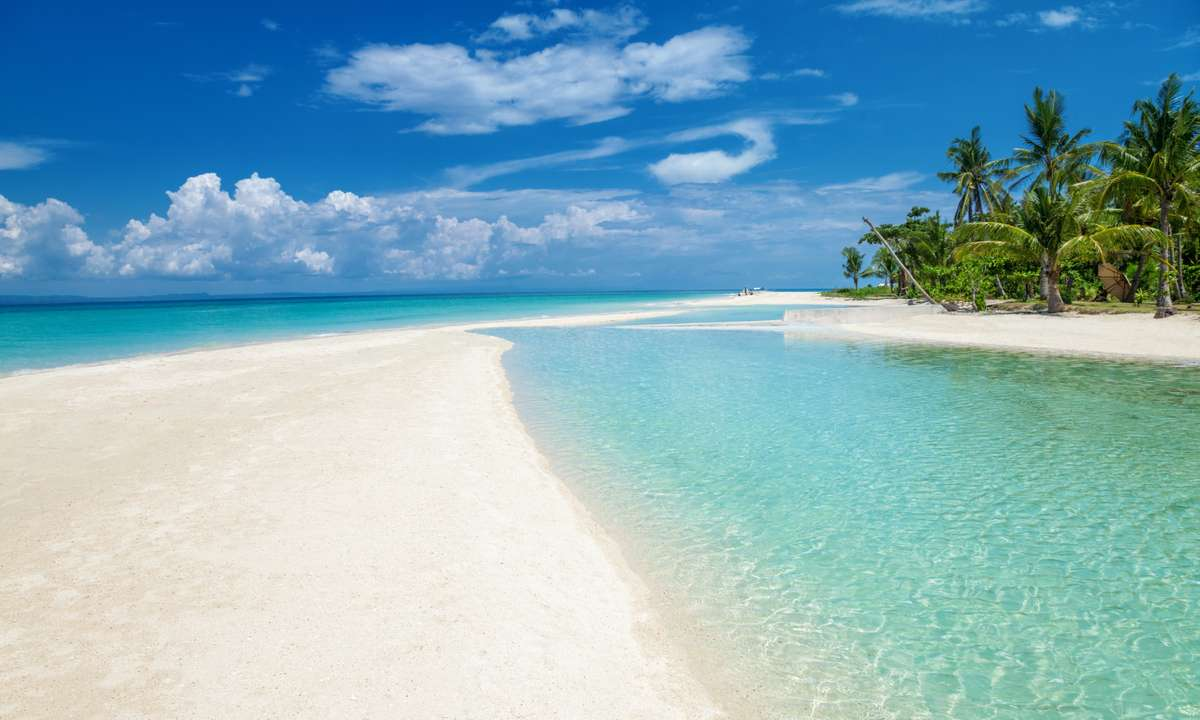 Paradise beach on the Bantayan island (Dreamstime)