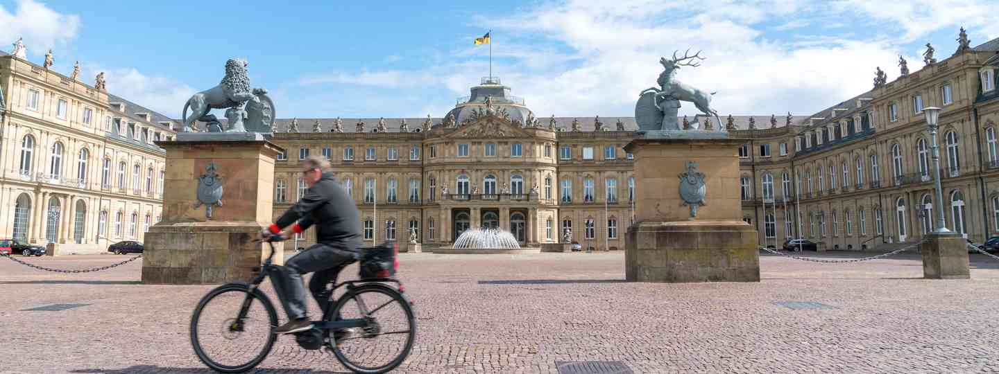 Cycling through a European city (Shutterstock)