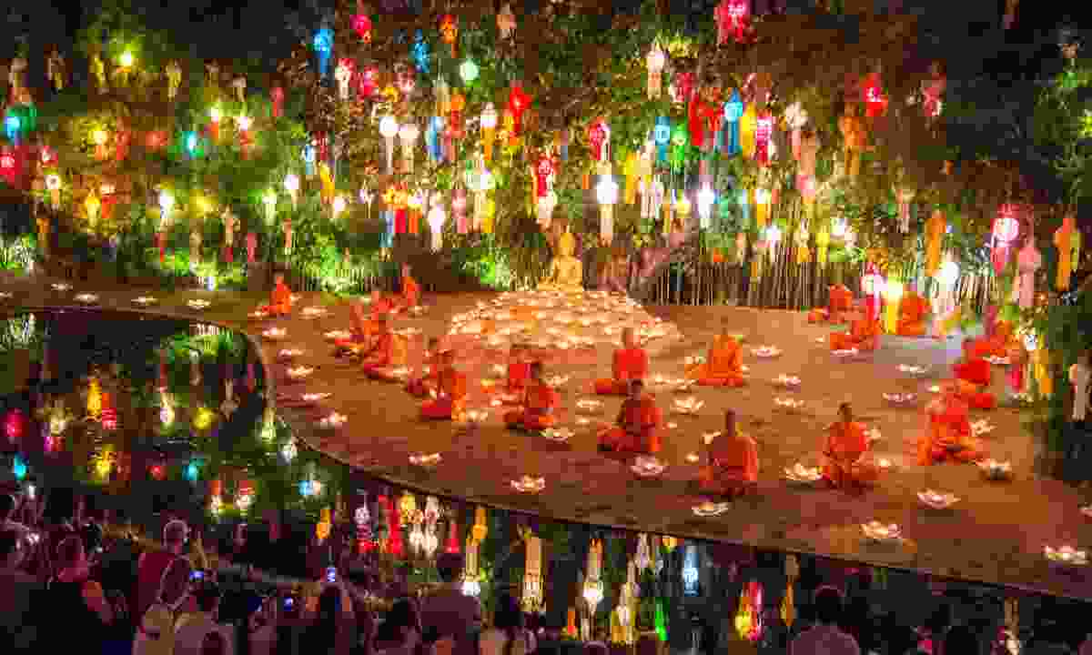Buddist monks celebrating Loy Krathong in Chiang Mai (Shutterstock)
