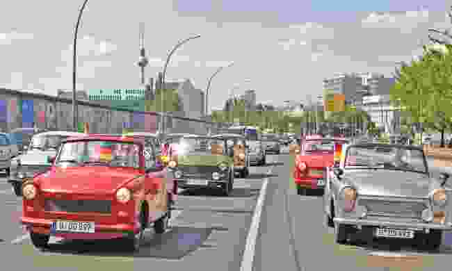 Trabants in Berlin (trabi-safari.com)