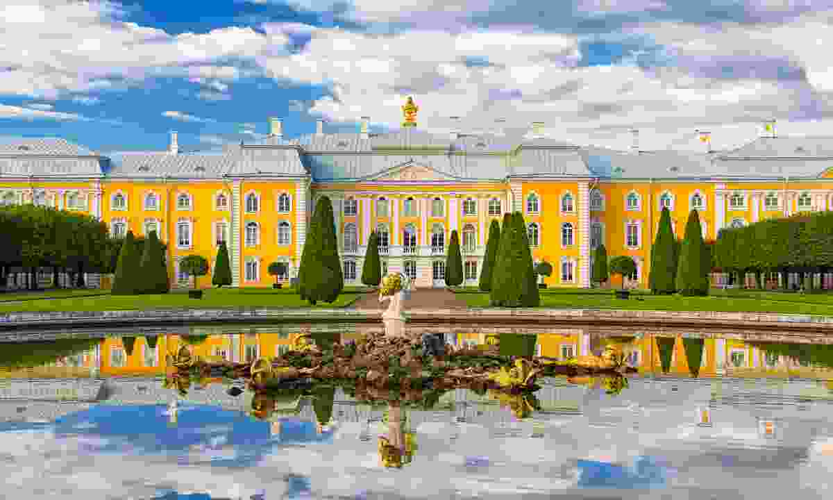 The grand 'Russian Versailles' of Peterhof Palace (Dreamstime)
