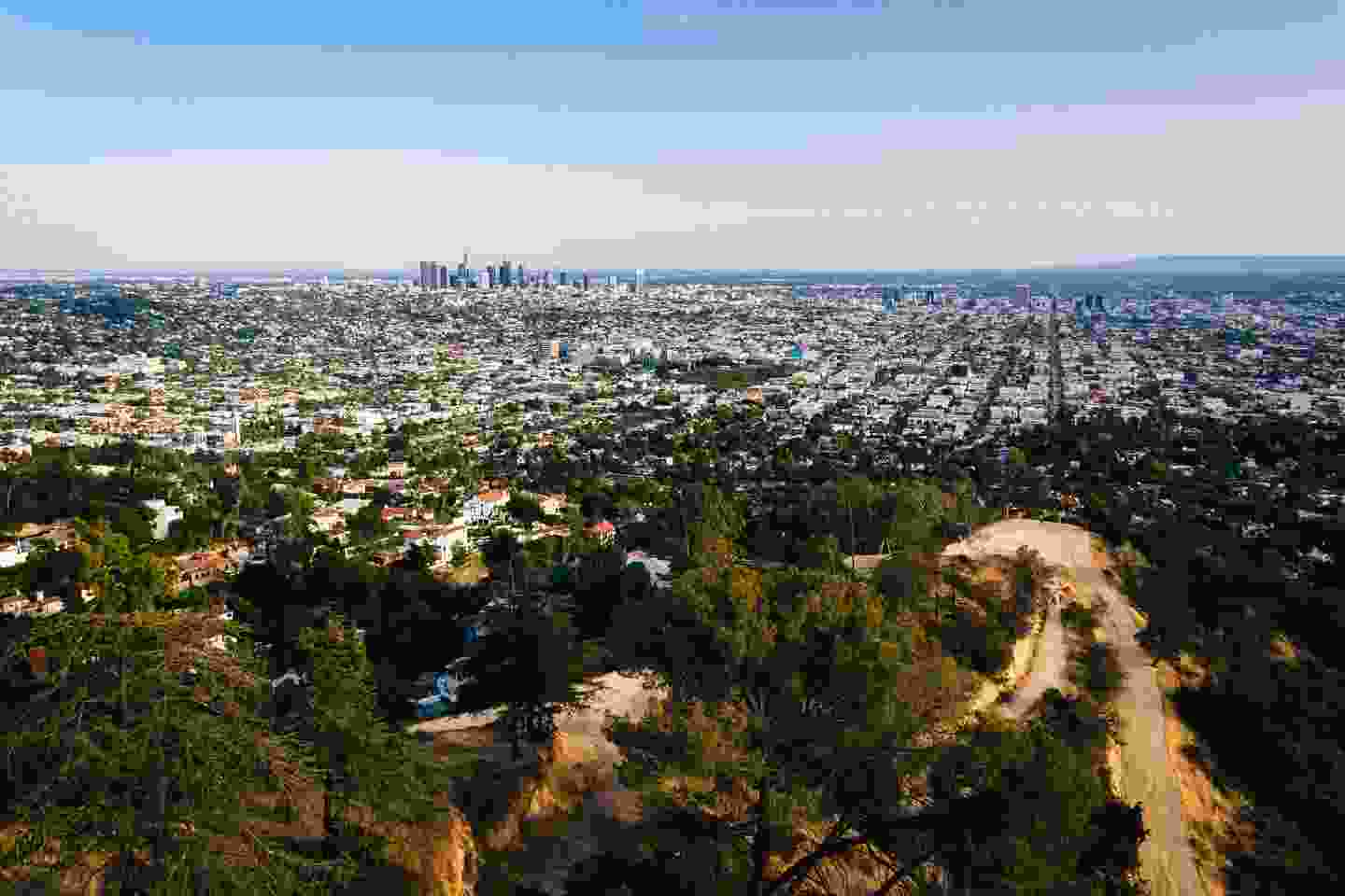 Downtown Los Angeles seen from the trails of Griffith Park (Shutterstock)