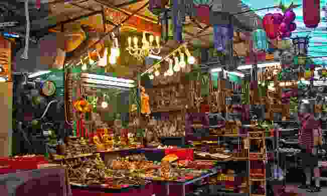 Admire antiques in historical Cat Street market (Shutterstock)