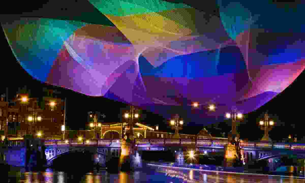 Illuminated fishing net in Amsterdam (Dreamstime)