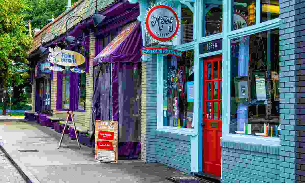 Colourful shops in Candler Park (Shutterstock)