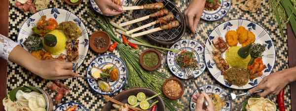 A variety of delicious Indonesian dishes (Shutterstock)