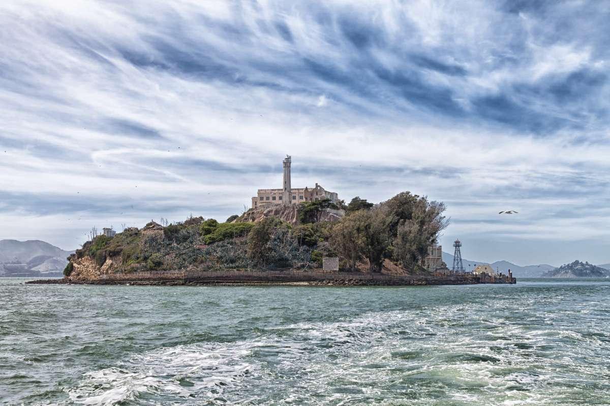 Alcatraz Island from the shores of California (Dreamstime)