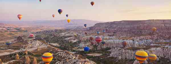 Dawn balloon ride over Cappadocia, Turkey (Dreamstime)