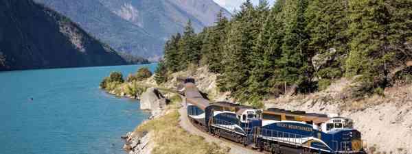 Canada train (Rocky Mountaineer & Australian Pacific Touring)