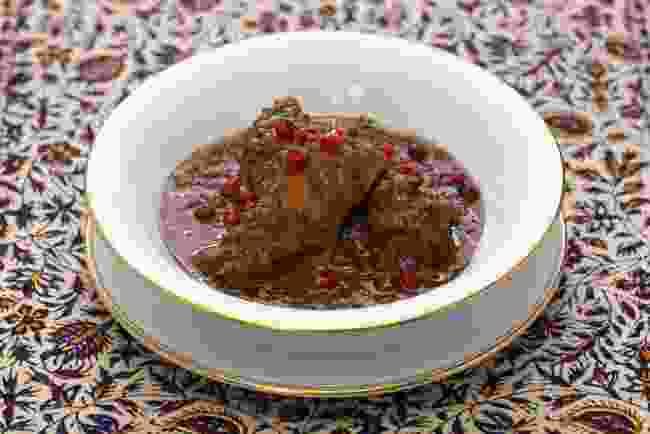 Khoresh-e fesenjan (Shutterstock)