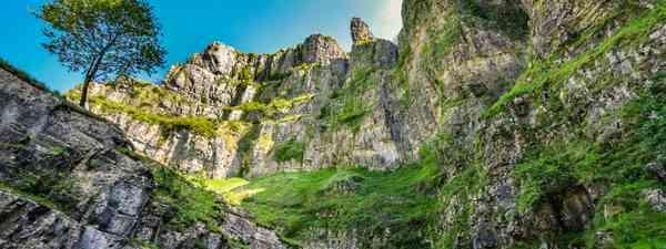 Cheddar Gorge (Shutterstock)