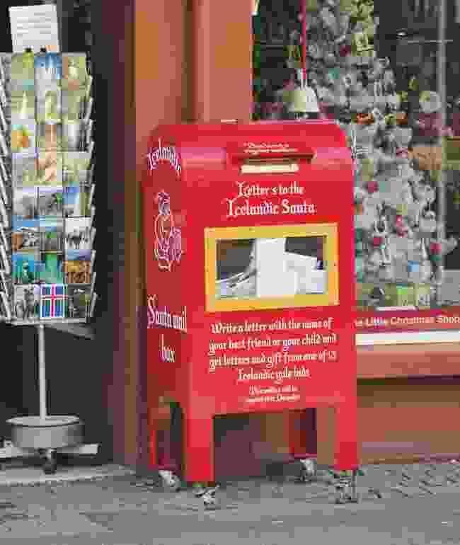 4: The Christmas Trolls' Letterbox, Reykjavik (Kai Oidtmann)