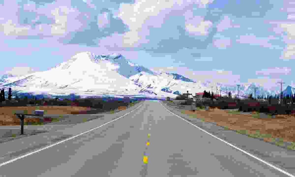 Highway in Alaska (Dreamstime)
