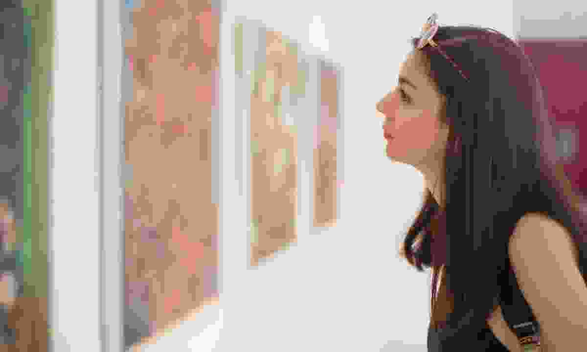 Woman studying art (Dreamstime)