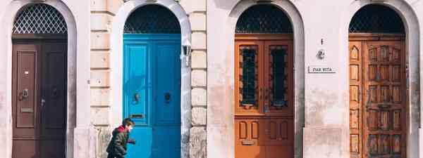 Blue door in Chefchaouen (Dreamstime)