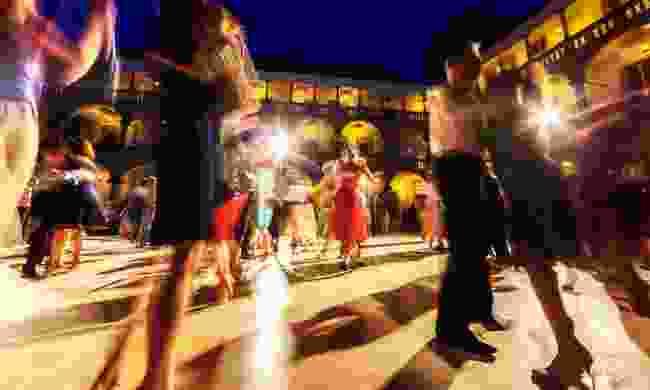 Tango dancing at night in Argentina (Shutterstock)