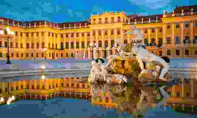 Schönbrunn Palace at dusk (Shutterstock)
