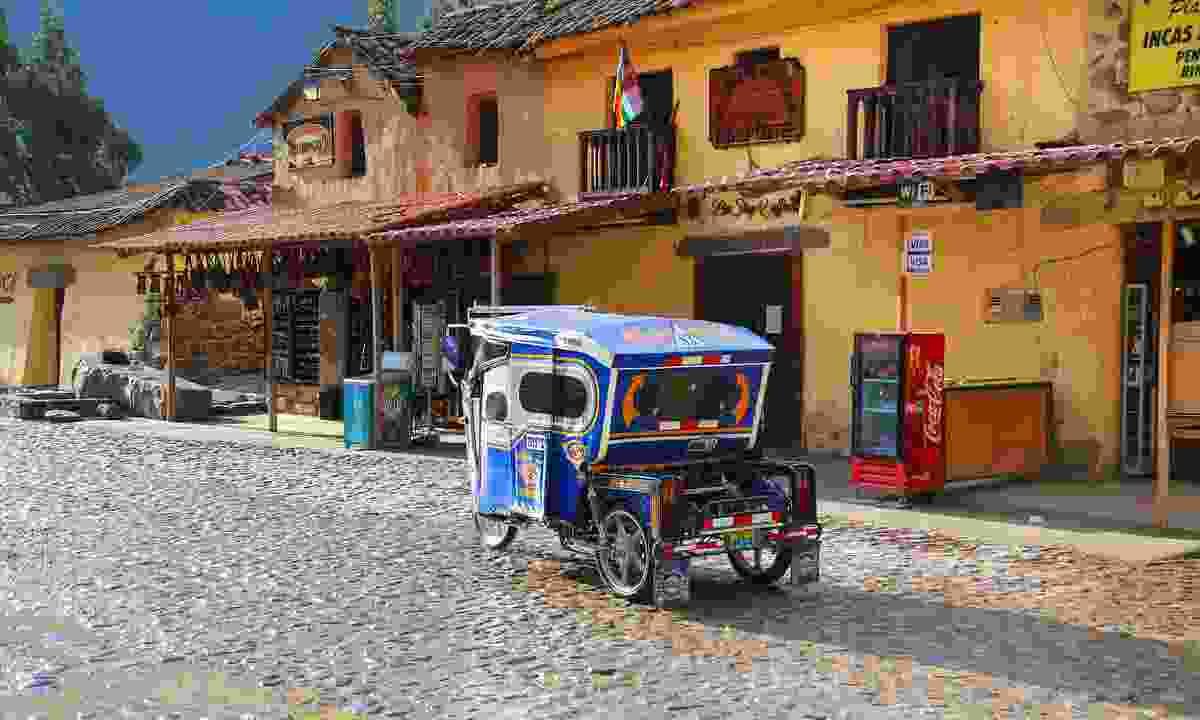 Auto rickshaw in the street of Ollantayambo (Dreamstime)