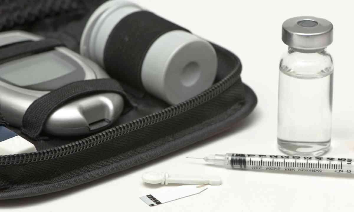 Diabetic travel kit case (Shutterstock)