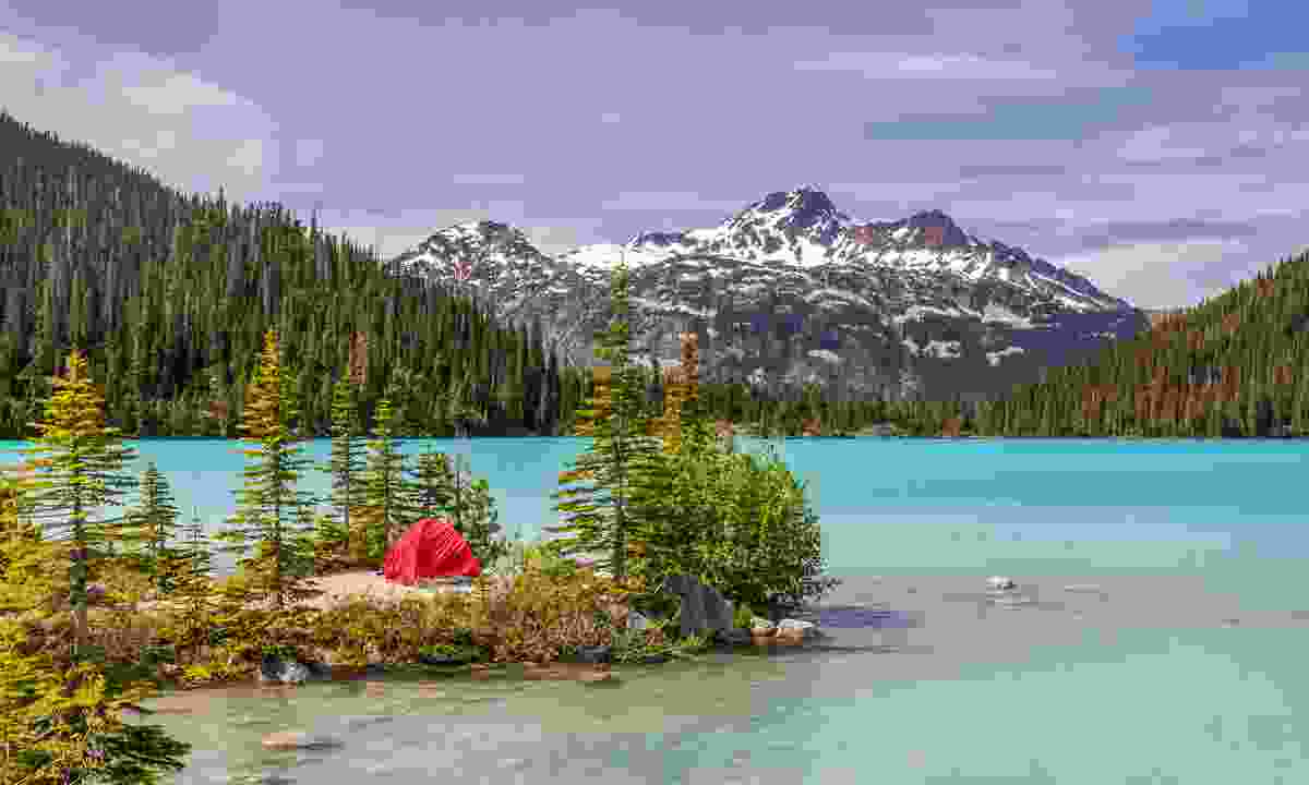 Camping at Upper Joffre Lake (Shutterstock)