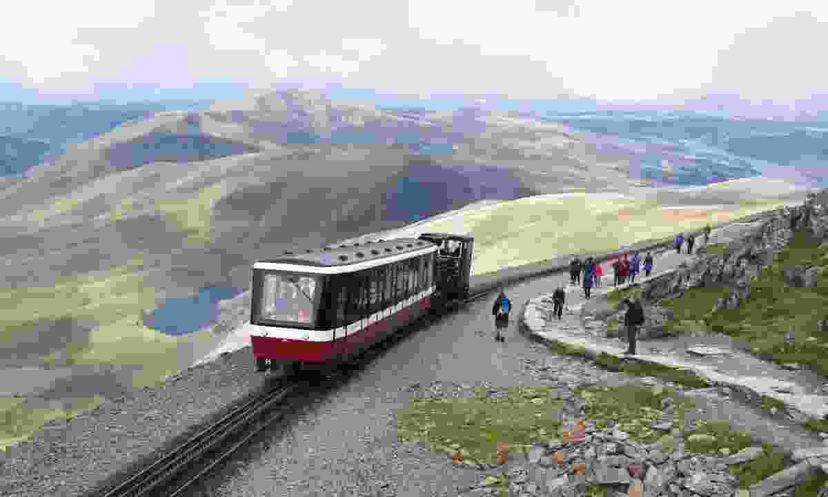 The train up to Mount Snowdon (Dreamstime)