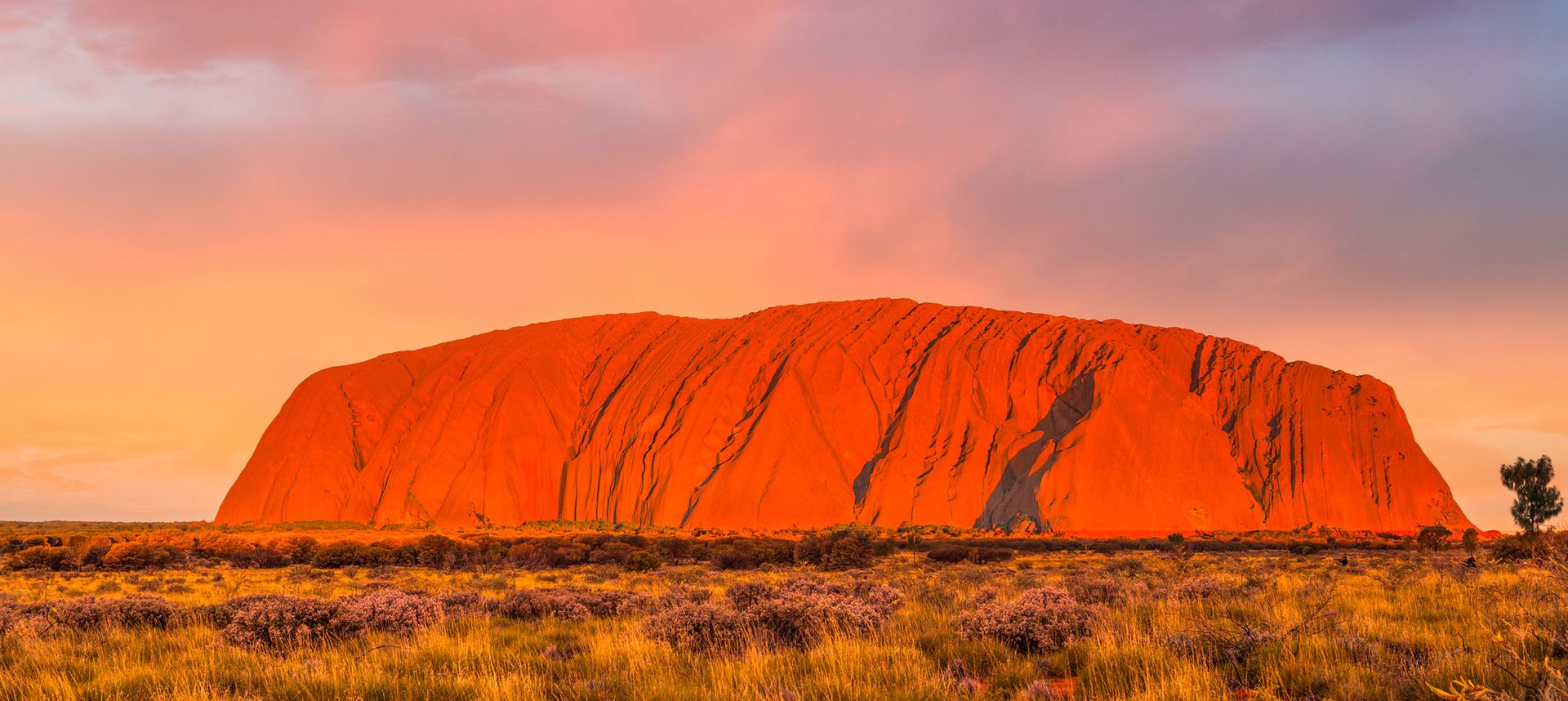 See the world's greatest travel icons, including Ayer's Rock in Uluru, Australia (Shutterstock)