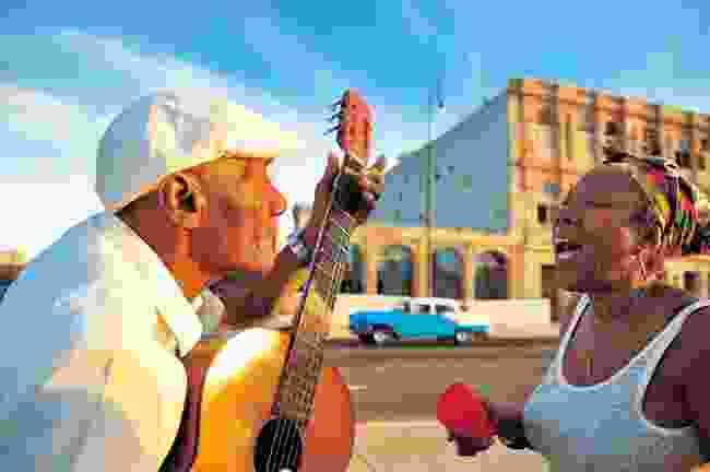 Singing in the streets of Havana, Cuba (Dreamstime)