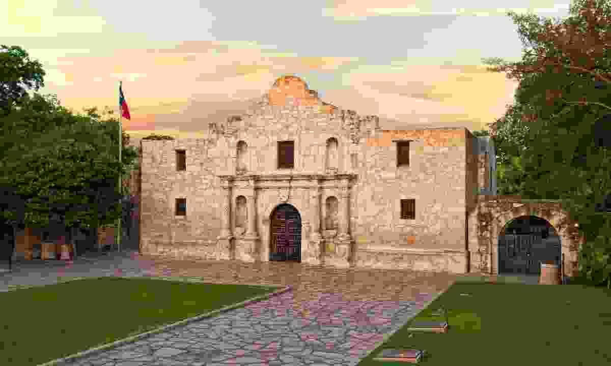 The Alamo (Visit San Antonio)