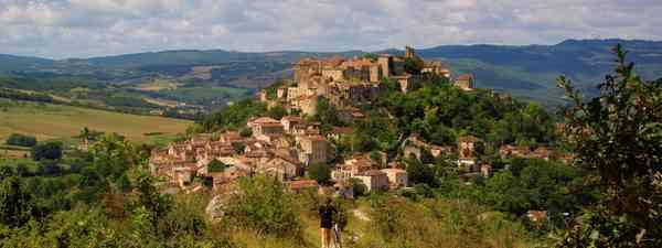 Hilltop town in Tarn (C Riviere/CDT du Tarn)