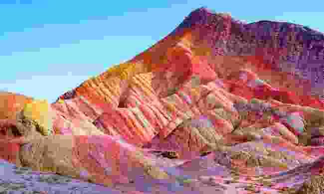 The rainbow rock formations in Zhangye (Shutterstock)