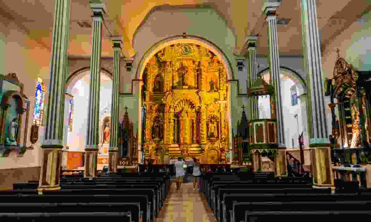 Interior of San Jose church in Casco Viejo (Shutterstock)