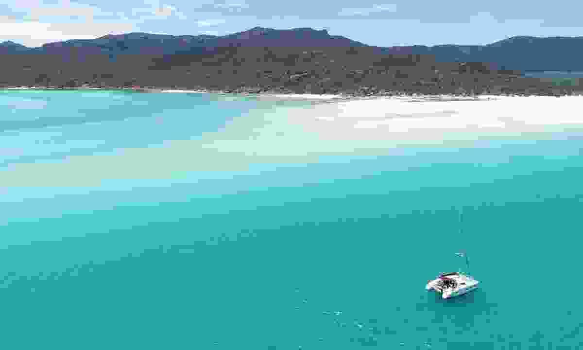 Lone yacht near the Great Barrier Reef (Shutterstock)