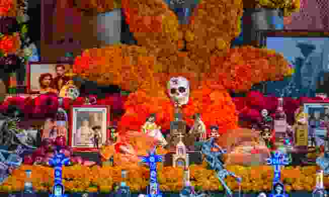 A traditional floral tribute made for Day of the Dead (Shutterstock)