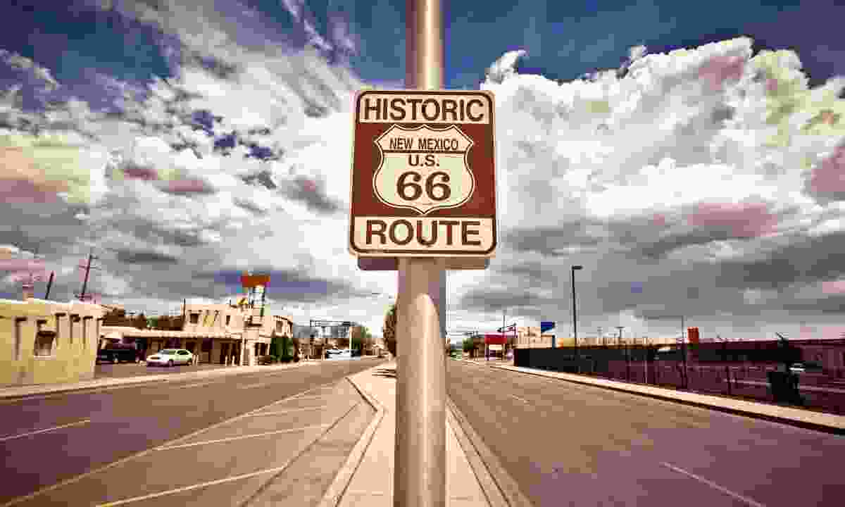 Historic route 66 route marker sign in New Mexico (Dreamstime)