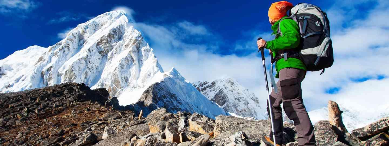 Hiking in Khumbu valley (Dreamstime)